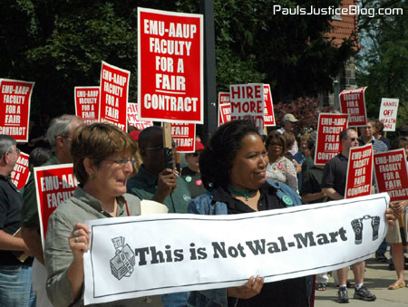 picketing-notwalmart